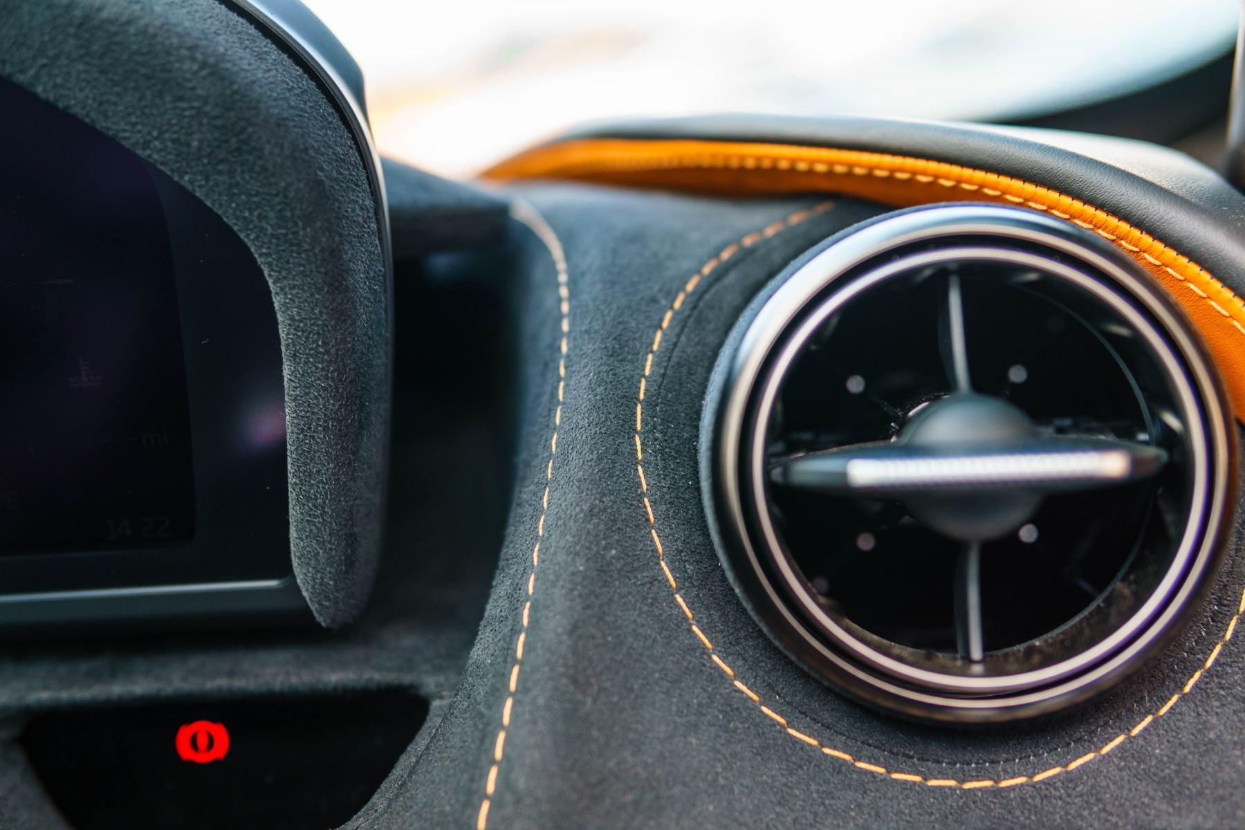 McLaren 720S V8 2dr SSG PERFORMANCE image 44